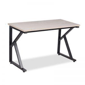 Bàn chân sắt mặt bàn được làm bằng chất liệu gỗ công nghiệp cao cấp. Trên mặt bàn được phủ một lớp Melamine, sơn PU chống trầy xước tốt, ẩm mốc, bóng đẹp theo thời gian.