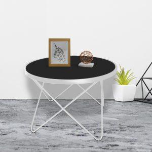 Bàn trà, bàn sofa chân kim loại trắng mặt kính được làm từ loại khung sắt được phủ lớp sơn chống xước cho sản phẩm và không bị mối mọt. Với mặt kính đen phong cách cá tính cho phòng khách hiện đại